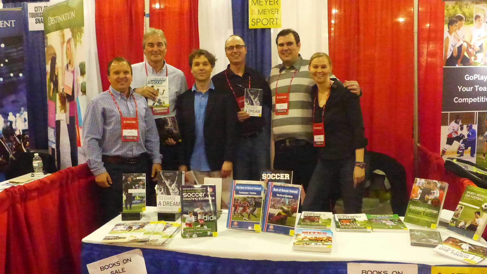 Peter Schreiner at the NSCAA Convention 2015 presention his new book at the booth of Meyer&Meyer publisher