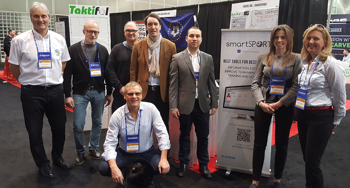 The team at the Taktifol stand with the partners of smartSport.