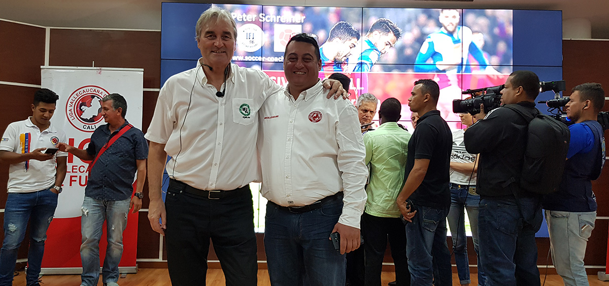 Peter Schreiner her with the president of federation of valle de cauca, Oveimar Giraldo.