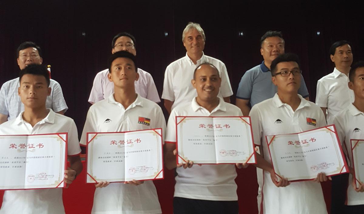 The best coaches of the seminar got an award.