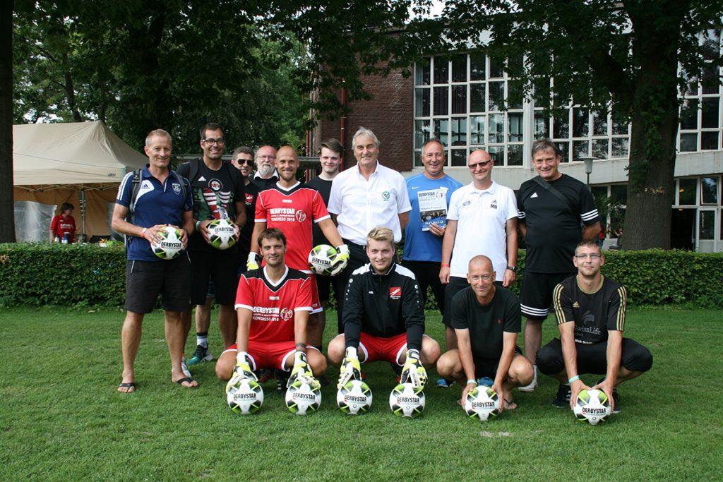 Marco Knoop (B. Dortmund), Peter Schreiner and the Goalkeeping presentation group